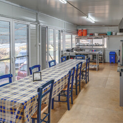 Cooking area of the kitchen wagon | Alkyóna Beach